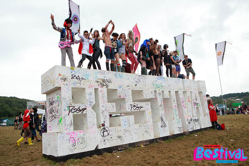 Live: Bestival, Robin Hill (Isle Of Wight), 8-11/9/11